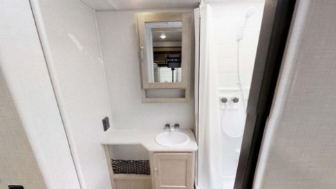 r-pod bathroom